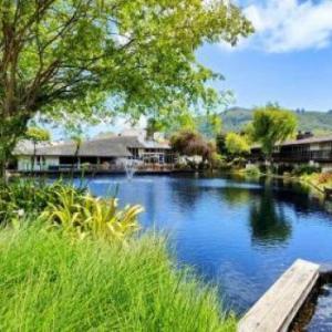 Hotels near Quail Lodge - Quail Lodge & Golf Club