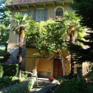 Book Now B&B I Lamponi (Varzo, Italy). Rooms Available for all budgets. Set in a late 19th-century villa just 1.5 km from Varzo B&B I Lamponi offers free Wi-Fi and colour-themed rooms with a balcony facing the garden and the Lepontine Alps. A