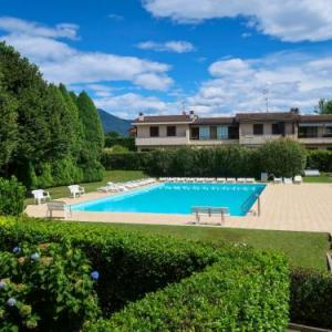 Book Now Locazione Turistica Red Sunset (Monvalle, Italy). Rooms Available for all budgets. Apartment Monvalle II Monvalle is located in Besozzo 9km from the centre of Laveno.The 50m² apartment will provide you with a living/dining room with a TV and radio. Ther