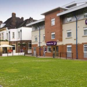Heaton Park Hotels - Premier Inn Manchester - Heaton Park