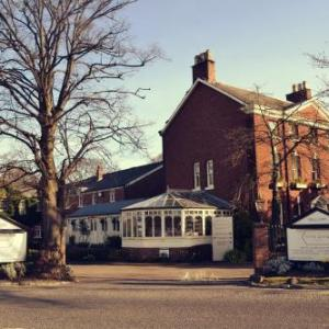 Hotels near Wythenshawe Forum - Etrop Grange Hotel