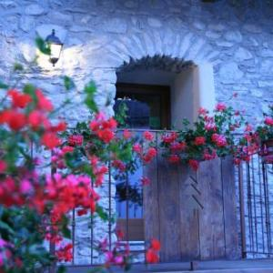Book Now Affittacamere Chez Magan (Gignod, Italy). Rooms Available for all budgets. Affittacamere Chez Magan provides rustic rooms with free Wi-Fi flat-screen TV and private bathroom. Offering free parking it is in the small town of Chez Henry 7 km from centr