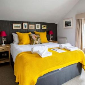 Hotels near Princess Theatre and Arts Centre Burnham-on-Sea - Dunstan House