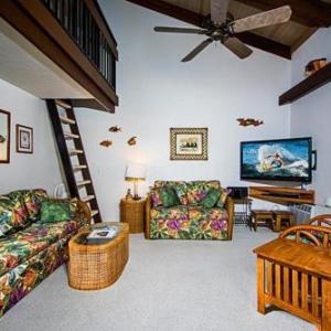 Book Now Kona Makai 3-302 (Kailua Kona, United States). Rooms Available for all budgets. PL2865 Kona Makai 3-302 is an apartment with a hot tub situated in Kailua-Kona. The apartment is 8 km from Kaloko-Honokohau National Historic Park. Free private parking is ava