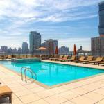 Ultra Modern Suites Facing Manhattan Skyline