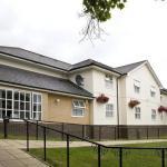 Hotels near Epsom Playhouse - Premier Inn Epsom Central