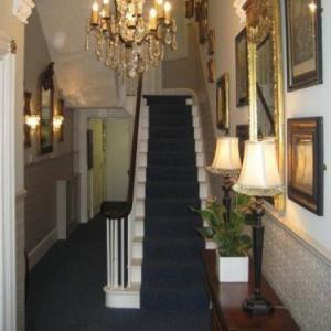 Hotels near Theatre Royal Brighton - The Queensbury Hotel