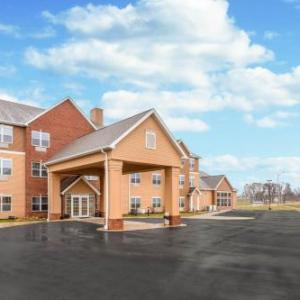 Hotels near Codfish Hollow Barnstormers - AmericInn Fulton