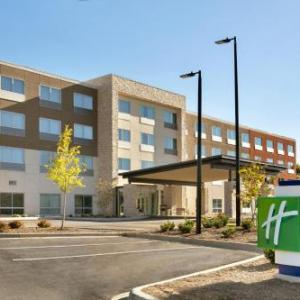 Holiday Inn Express & Suites Salisbury an IHG Hotel