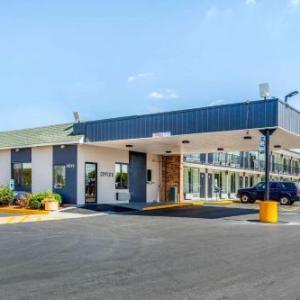 Econo Lodge Shorewood