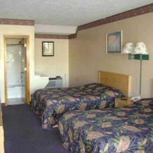 Paramount Arts Center Hotels - Ashland Inn