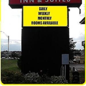 Hotels near Werner Park - Townhouse Inn & Suites Omaha