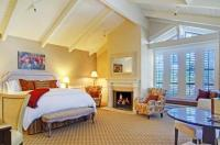 Carriage House Inn Image