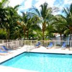 Riviera Apartments - River Oaks Marina