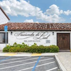 Hotels near Old Mission San Juan Bautista - Hacienda de Leal