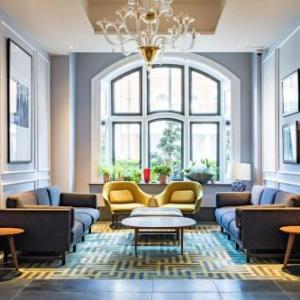 Shaftesbury Theatre London Hotels - Radisson Blu Edwardian Bloomsbury Street