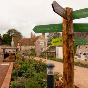 Glynde Place Hotels - YHA South Downs