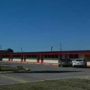 Freer Motel Hotel