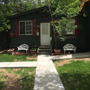 Apple Creek Cottages