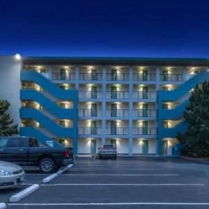 Hotels near Ocean View Beach Park - Best Western Plus Holiday Sands Inn & Suites
