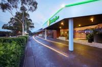 Holiday Inn Warwick Farm Image