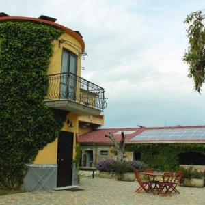 Book Now Agriturismo La Petrosa (Ceraso, Italy). Rooms Available for all budgets. Boasting a 55 hectare garden with orange and olive trees various farm animals Agriturismo La Petrosa is 4 km from Ceraso.It has an outdoor swimming pool and Wi-Fi is free thro