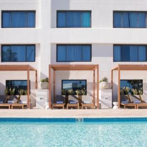 Hotels near Santa Monica Civic Auditorium - Doubletree Suites By Hilton Santa Monica