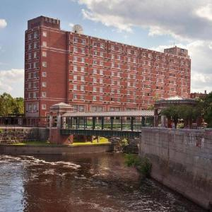 Hotels near Cawley Memorial Stadium - Umass Lowell Inn And Conference Center