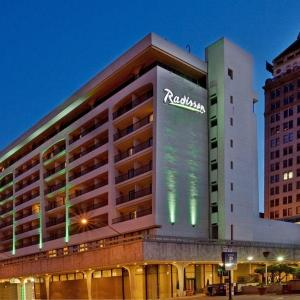 Hotels near Rainbow Ballroom Fresno - Radisson Hotel Fresno Conference Center