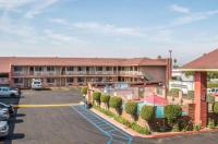 Econo Lodge Anaheim North Image