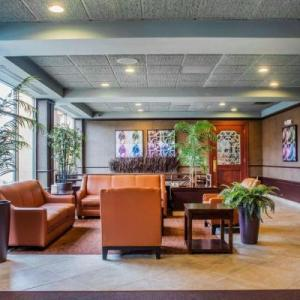 Hotels near Scriba Town Inn - Quality Inn & Suites Riverfront Oswego