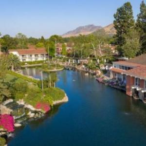 Paramount Ranch Hotels - Westlake Village Inn