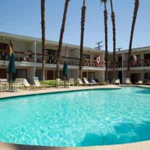 Hotels near McCallum Theatre - The Inn at Deep Canyon