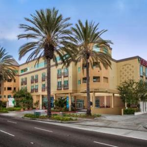 Hotels near House of Blues Anaheim - Desert Palms Hotel Suites