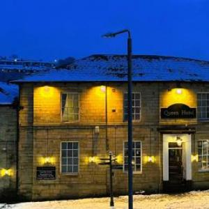 Hotels near Todmorden Town Hall - The Queen Hotel