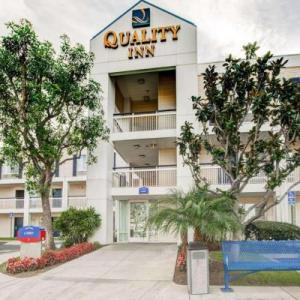 Xalos Bar Hotels - Quality Inn Placentia - Anaheim