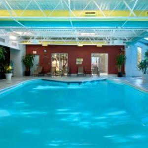Hotels near Saint Xavier University - Hilton Chicago/Oak Lawn