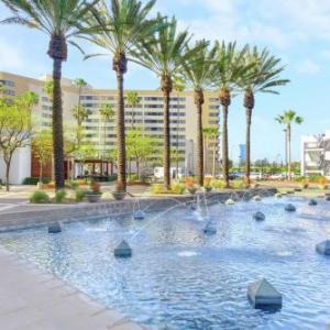 Angel Stadium of Anaheim Hotels - Embassy Suites Anaheim - Orange