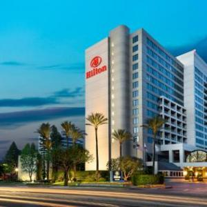 Pierce College Woodland Hills Hotels - Hilton Woodland Hills/Los Angeles