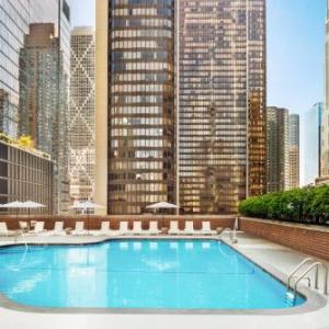 AMC River East 21 Hotels - Doubletree Chicago Magnificent Mile