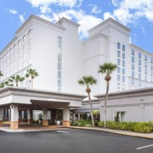 Hard Rock Live Orlando Hotels - Holiday Inn & Suites Orlando Universal