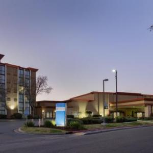 Crowne Plaza Sacramento I-80 (Northeast)