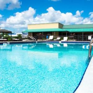 Hotels near Chain of Lakes Complex - Winter Haven Gardens Extended Stay Hotel