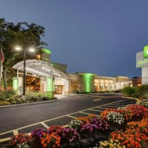 Hotels near Nassau Veterans Memorial Coliseum - Holiday Inn Westbury