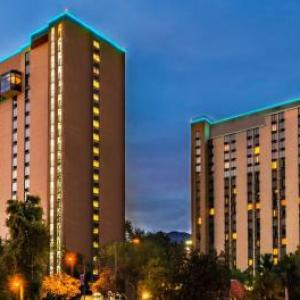 Hotels near Los Angeles Equestrian Center - Holiday Inn Burbank-Media Center
