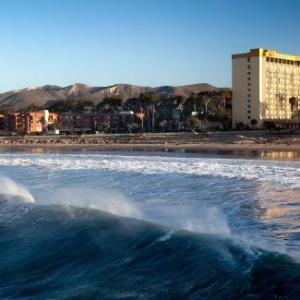 Hotels Near Seaside Park Ventura Crowne Plaza