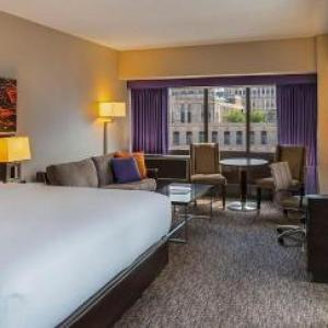 Hotels near Galleria Marchetti - Holiday Inn Chicago Mart Plaza