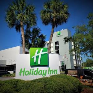 Hotels near James G Pressly Stadium at Percy Beard Track - Holiday Inn Gainesville-university Center