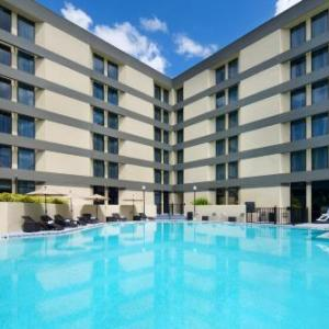 Hotels near Trinity Preparatory School Winter Park - Doubletree By Hilton Orlando East - Ucf Area