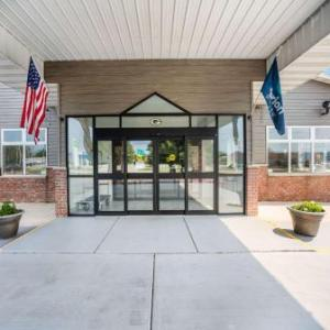 Brown County Arena Hotels - Econo Lodge Inn & Suites Green Bay